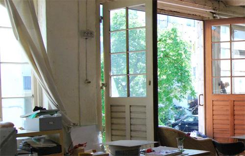 Die Malkurse in Hamburg mit Annette Brasch finden auf einer großzügigen Fabriketage statt.