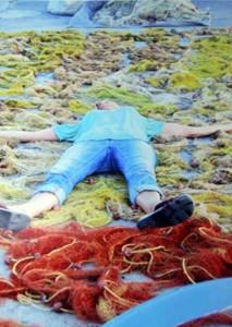 ..entzückt von den Netzen am Hafen während des Malkurs in Polichnitos