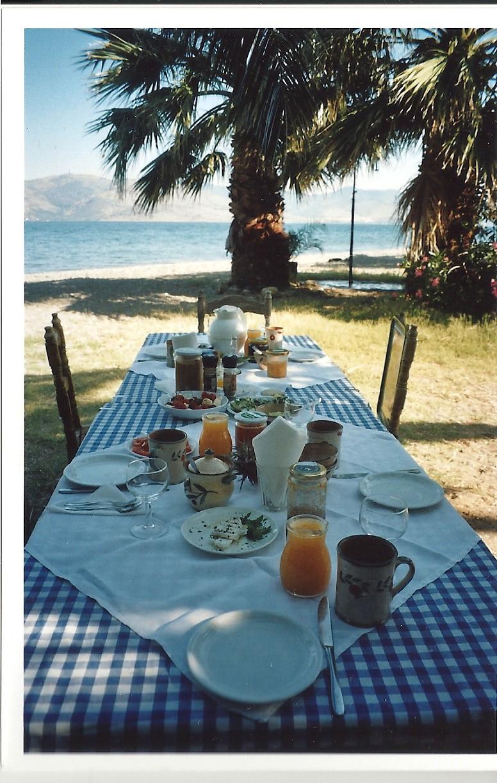 Malkurs direkt am offenen Meer in Griechenland bietet brasch-kunstkurse jährlich an.